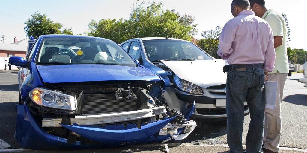 Unfall im Straßenverkehr – immer zum Rechtsanwalt
